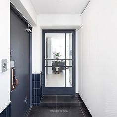 #잠실레이크팰리스 26평 #주방 #키친#주방인테리어#싱크대#제작가구#인테리어리모델링#아파트인테리어#모던#집스타그램#카민디자인#인테리어회사#한샘#마블타일#인테리어 Room Interior, Interior Design, Natural Interior, Interior Concept, Lobbies, Hotel Lobby, Windows And Doors, Mudroom, Entrance