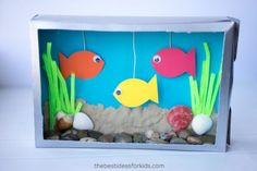 This Cereal Box Aquarium craft is fun for kids to create! It's an easy cereal box craft that you kids will love creating and then displaying after you're done! Ocean Kids Crafts, Recycled Crafts Kids, Fish Crafts, Fun Crafts For Kids, Toddler Crafts, Preschool Crafts, Projects For Kids, Cereal Box Craft For Kids, Cereal Box Crafts
