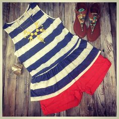 We are loving this warmer weather!! Top $26.95, linen shorts $28.95, sandals $22.95, bracelet $26.95, necklace $28.95! #OOTD