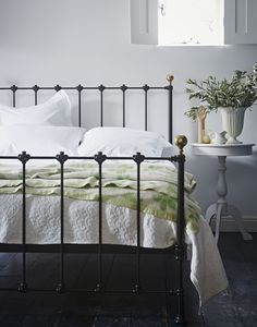 The Cornish Bed Company Billy bedstead. Keeping brass decoration to a minimum, the Billy bedstead is an unimposing straight-forward traditional but equally modern looking bedstead, with a choice of 12 colours. Cast Iron Bed Frame, Cast Iron Beds, Victorian Bed, Victorian Home Decor, Bed Goals, Bed Company, Metal Beds, Kid Beds, Traditional