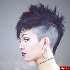 Mohawk/pixie cut, I would have this cut if I looked like her! Short Mohawk, Short Punk Hair, Super Short Hair, Girl Short Hair, Pixie Mohawk, Girl Mohawk, Mohawk Hairstyles, Cute Hairstyles For Short Hair, Short Hair Cuts For Women