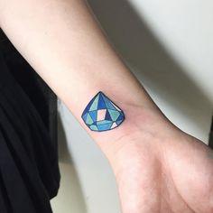 Small Diamond Tattoo Designs to Show Long-Lasting Value With Ink Gem Tattoo, Stone Tattoo, Jewel Tattoo, Tattoo Trend, Diamonds Tattoo, Small Diamond Tattoo, Diamond Tattoo Designs, Mommy Tattoos, Name Tattoos