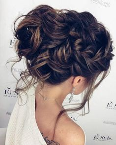 Bridal Hairstyles : Long Wedding Hairstyles & Bridal Updos via Elstile / www.deerpearlflow… hochzeitsfrisuren photo 2019 Bridal Hairstyles : Long Wedding Hairstyles & Bridal Updos via Elstile / www. Homecoming Hairstyles, Wedding Hairstyles For Long Hair, Fancy Hairstyles, Wedding Hair And Makeup, Hair Makeup, Hairstyle Wedding, Bridesmaids Hairstyles, Hair Wedding, Hairstyle Ideas
