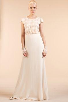 Robe de mariee boheme Laure de Sagazan Printemps Mariage Maria Luisa l La Fiancee du Panda blog mariage