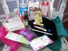 Mother's Day Gift Tip #1: Eco-Emi #beautybox for Mom #mothersday #giftsformom #easygifts For more tips & details, visit www.BeautyFrosting.com