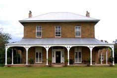 Dunmore House, Maitland, NSW, Australia, was built using convict labour between Georgian Architecture, Australian Architecture, Australian Homes, Georgian Homes, Reno, Historic Homes, Old Houses, Nice Houses, Homesteading