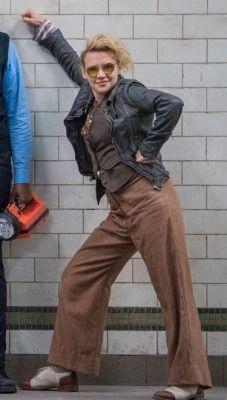 Jillian Holtzmann. Love this outfit. Those shoes.