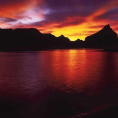 Boundary Butte (right) on Lake Powell. Photograph by Gary Ladd. #sunsets…