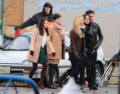 Emilie, Ginny, Jennifer, Lana, & Colin, filming a scene for episode 4x12 - November 18, 2014