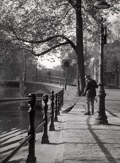 déjà vu | greeneyes55:   Amsterdam 1951  Photo: Anonymous