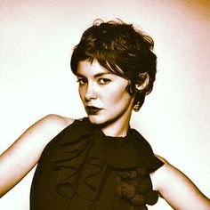 Most viewed - 023 - Audrey Tautou Gallery Audrey Tautou, Pixie Hairstyles, Pixie Haircut, Pretty Hairstyles, Short Haircuts, Good Hair Day, Great Hair, Pixie Ondulado, Short Curly Hair