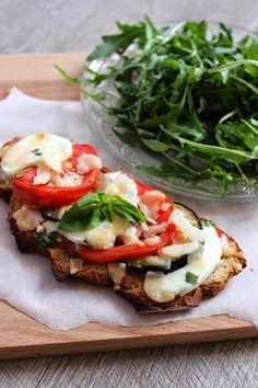 Flavors of Italy - Calamari Cuisines Diy, Food Porn, Bruchetta, Good Food, Yummy Food, Easy Healthy Breakfast, Breakfast Time, Tostadas, Italian Recipes