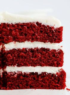 This red velvet cake recipe will become your go-to recipe, and I promise you that. I have tried many red velvet cake recipes before, most of them were dry, othe Red Velvet Cake Rezept, Homemade Red Velvet Cake, Best Red Velvet Cake, Red Velvet Flavor, Red Velvet Cupcakes, Red Velvet Cake Moist, Red Velvet Recipes, Super Moist Red Velvet Cake Recipe, Birthday Cakes For Men