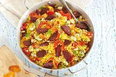 Gele rijst met salami en puntpaprika - Hoofdgerecht Mediterraans