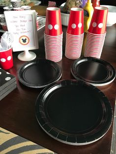 Mickey and Minnie Mouse Party Decor - The Journey of Parenthood. Mickey and Minnie Mouse Party Decor - Food, Activities and other easy and affordabl Mickey 1st Birthdays, Mickey Mouse First Birthday, Mickey Mouse Baby Shower, Mickey Mouse Clubhouse Birthday Party, 2nd Birthday, Elmo Party, Family Birthdays, Dinosaur Party, Dinosaur Birthday