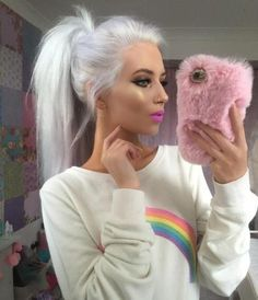 Fabulous Fur: Light Pink from AiCandyBling - Trend Platinum Hair Makeup 2019 Grey Hair Wig, White Blonde Hair, Platinum Blonde Hair, Lace Hair, Brown Blonde, Lace Front Wigs, Lace Wigs, How To Wear A Wig, Silky Hair