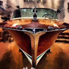 Building your own boat can be cheaper than buying a manufactured boat. A boat that you have made yourself can b Riva Boot, Course Vintage, Bateau Yacht, Wooden Speed Boats, Chris Craft Boats, Classic Wooden Boats, Classic Boat, Boat Projects, Vintage Boats