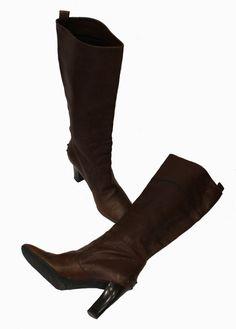 Prada: Sehr feine Boots Stiefel *flach* Wildleder créme* 40