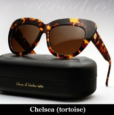 House of Harlow Chelsea sunglasses - Toroise Funky Glasses, Eye Glasses, Cool Sunglasses, Sunnies, We Wear, Passion For Fashion, Bag Accessories, Chelsea, Animal Prints