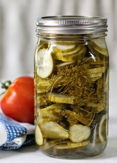 Bue-Ribbon Amish Dill Pickles : These are the best pickles! Crunchy, slightly-sweet, garlicky dills. Super easy, too.