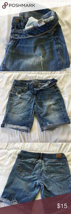American Eagle Bermuda Shorts Light wash destroy Bermuda shorts American Eagle Outfitters Shorts Bermudas