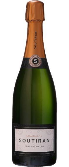 Soutiran Brut Grand Cru blanc non millesimé - Champagne - 13.5/20 : Le brut grand cru est souple avec un joli moelleux une bonne matière, la longueur est moyenne et il est très consensuel.  En savoir plus : http://avis-vin.lefigaro.fr/vins-champagne/champagne/champagne/d12245-soutiran/v12249-soutiran-brut-grand-cru/vin-blanc/0#ixzz32WTPY6vO