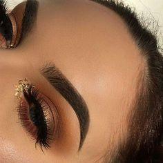 #vegas_nay #hudabeauty #anastasiabeverlyhills #norvina #mua #makeupartist #makeup #laurag_143 #falsies #wakeupandmakeup #beauty #abhbrows #desiperkins #likeforlike #ilovemakeup #morphegirl #makeupgeek #makeupaddict #undiscovered_muas #highlighter #amazing_makeup4u #ilovemakeup #makeupartistsworldwide #contour #lashes #hijabi #kyliejenner #abhbrows