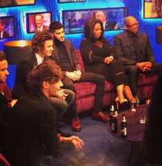 Zayn, casually sitting next to Opera like the chilled dude he is.