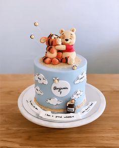 Boys First Birthday Cake, Baby Birthday Cakes, First Birthday Cakes, Birthday Cake Designs, Birthday Ideas, Winnie The Pooh Cake, Winnie The Pooh Birthday, Cake Designs Images, Baby Shower Cakes