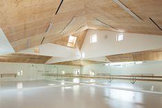Escuela de Ballet Y / y+M | Plataforma Arquitectura
