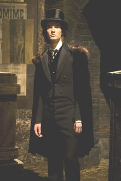 Ben Barnes playing in Dorian Gray.