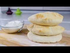 Lipii libaneze | JamilaCuisine - YouTube Cooking Bread, Bread Baking, Healthy Diners, Tasty Bakery, Food And Thought, Tacos And Burritos, Good Food, Yummy Food, Romanian Food