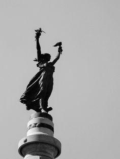 Centro de São Paulo: Glória Imortal aos Fundadores de São Paulo, escultura de Amadeo Zani
