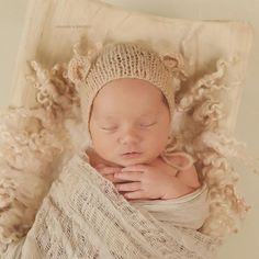 Baby Remington - is a rainbow baby and absolutely beautiful :copyright: Anamaria Brandt website: www.bellybabylove.com youtube: www.anabrandtvideos.com ana@anabrandt.com #newborn #baby #ocbaby #ocnewborn #newbornphotos #bestnewborn #orangecountyphotograph