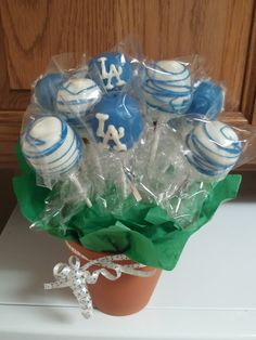 Dodger cake pops! Need to try to learn to make these!
