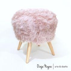 Tapizado en piel sintética de pelo corto símil zorro color rosa Color Rosa, Retro, Furniture, Home Decor, Dream Bedroom, Dios, Hair Puff, Faux Fur, Short Hair