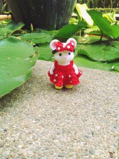 Sylvanian Families/ Calico Critters Minnie Mouse Crochet Clothes for Sister Size Made to Order by AmigurumiByMe on Etsy https://www.etsy.com/listing/227776701/sylvanian-families-calico-critters
