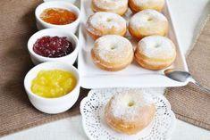 Tradičné šišky z kysnutého cesta Cookie Do, Cookies Policy, Doughnut, Sweet Recipes, Peach, Fruit, Food, Basket, Author