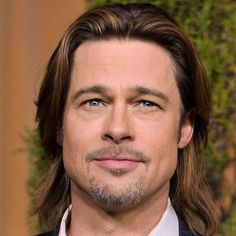 Brad Pitt Long Hair - Best Brad Pitt Haircuts: How To Style Brad Pitt's Hairstyles, Haircut Styles, and Beard #menshairstyles #menshair #menshaircuts #menshaircutideas #menshairstyletrends #mensfashion #mensstyle #fade #undercut #bradpitt #celebrity #bradpitthair Brad Pitt Troy, Brad Pitt Style, Brad Pitt Short Hair, Brad Pitt Haircut, Celebrity Hairstyles, Hairstyles Haircuts, Haircuts For Men, Long Hair Tumblr, Bleach Blonde