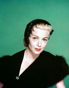 Vintage Glamour Girls: Lana Turner