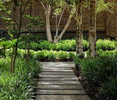 Outdoor Design Idea by Eckersley Garden Architecture – Toorak Residence Unique Gardens, Amazing Gardens, Beautiful Gardens, Eco Deco, Landscape Design, Garden Design, Narrow Garden, Australian Garden, Bottle Garden