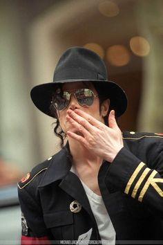 I L.O.V.E you more Michael ♡♡♡