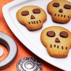 Pirate's Skull Cookies | 13 Creepy Halloween Treats and Snacks | Food | Disney Family.com