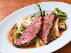 都内で注目の「カウンターフレンチ」9選! グルメ通も通う、腕利きシェフの味を気軽に楽しめる店 - dressing(ドレッシング) Steak, Dressing, Food, Essen, Steaks, Meals, Yemek, Eten