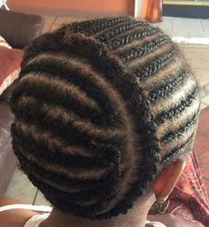 Box braids in braided bun Tied to the front of the head, the braids form a voluminous chignon perfect for an evening look. Box braids in side hair Placed on the shoulder… Continue Reading → Wand Curl Crochet Hair, Crochet Hair Extensions, Braids With Extensions, Braid In Hair Extensions, Crotchet Braid Pattern, Crochet Braid Styles, Crotchet Styles, Crochet Pattern, Box Braids Hairstyles
