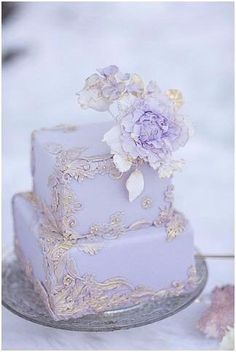 Square Wedding Cakes That Wow! 42 Square Wedding Cakes That Wow! - Square Wedding Cakes That Wow! - - 69 Ideas Vintage Wedding Cake Romantic purple detail Gold and Lavender Bas Relief cake Whimsical Wedding Cakes, Mini Wedding Cakes, Square Wedding Cakes, Beautiful Wedding Cakes, Wedding Cake Designs, Beautiful Cakes, Square Cakes, Amazing Cakes, Purple And Gold Wedding
