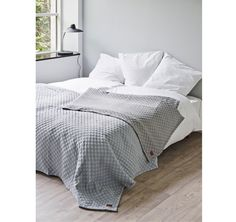 Juna Caro sengetæppe grå - Soveværelse - botex