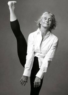 This photograph of Twyla Tharp had yoga hashtags all over it. No no no! This is not yoga, this is contemporary dance ya'll !!