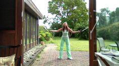 Летние упражнения в саду с Ириной Бйорно