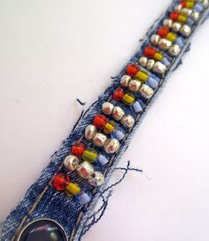 denim bracelet embellished with seed beads Jean Crafts, Denim Crafts, Botas Boho, Christmas Bazaar Crafts, Seed Bead Bracelets, Seed Beads, Denim Bracelet, Denim Art, Fabric Jewelry